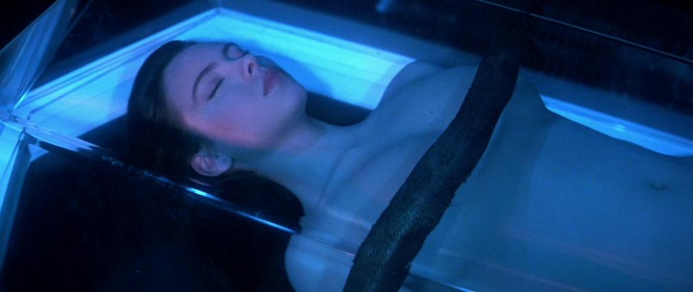 lifeforce-movie-space-girl